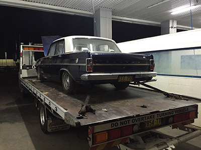 EH Holden Towing
